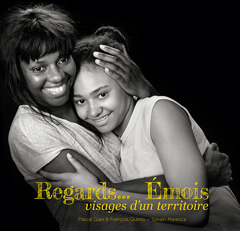 Couverture Regards Emois